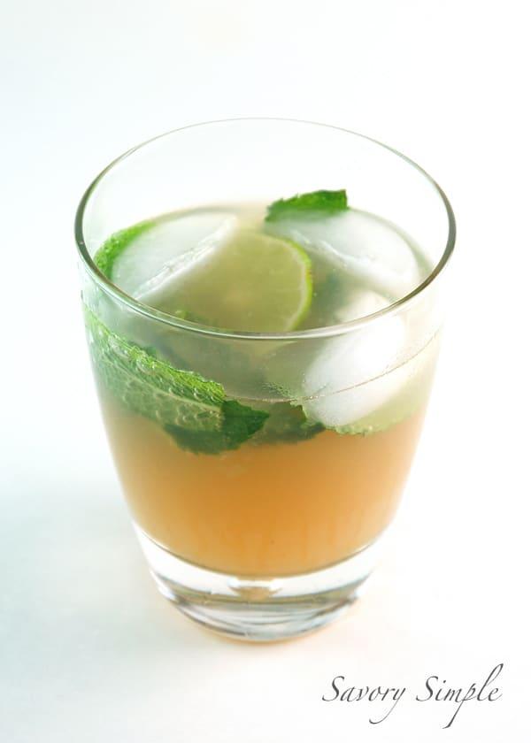 Alcohol-Free Mojito Spritzer in a glass