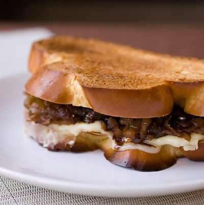 Challah-Grilled-Cheese-with-Onion-Confit-and-Balsamic-Glaze
