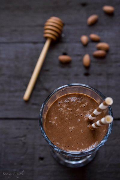 raw-banana-honey-almond-cacao-smoothie