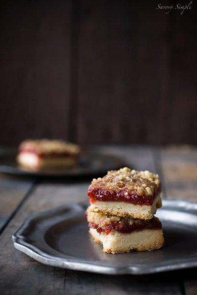 strawberry-crumb-bars