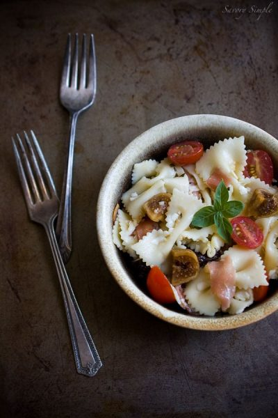 pasta-with-prosciutto-and-figs