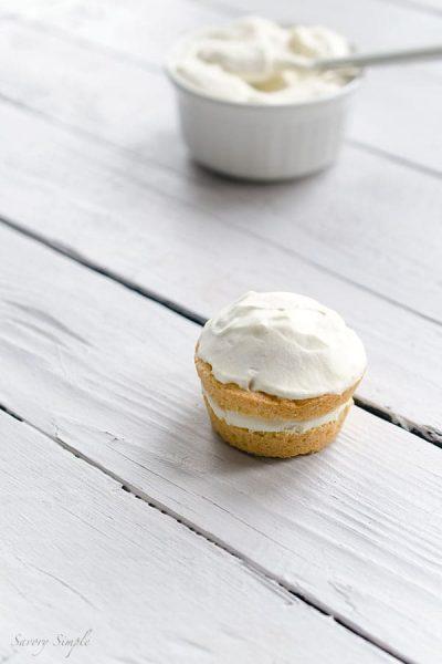 Vanilla-Cream-Cakes