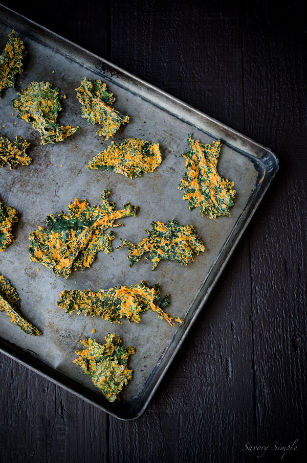 These Cashew and Roasted Red Pepper Kale Chips are savory, crunchy and bursting with flavor. People will beg you for the recipe! (vegan & gluten-free)