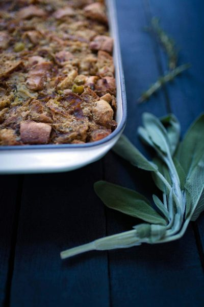 Savory-Simple-Recipe-Caramelized-Onion-Apple-Herbed-Stuffing