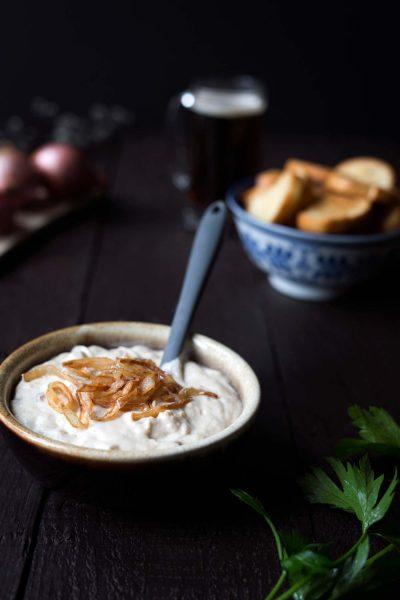 Savory-Simple-Recipe-Beer-Cheese-Dip