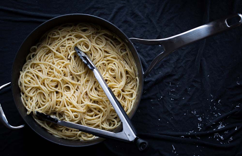 A photo of Cacio e Pepe immediately after cooking.