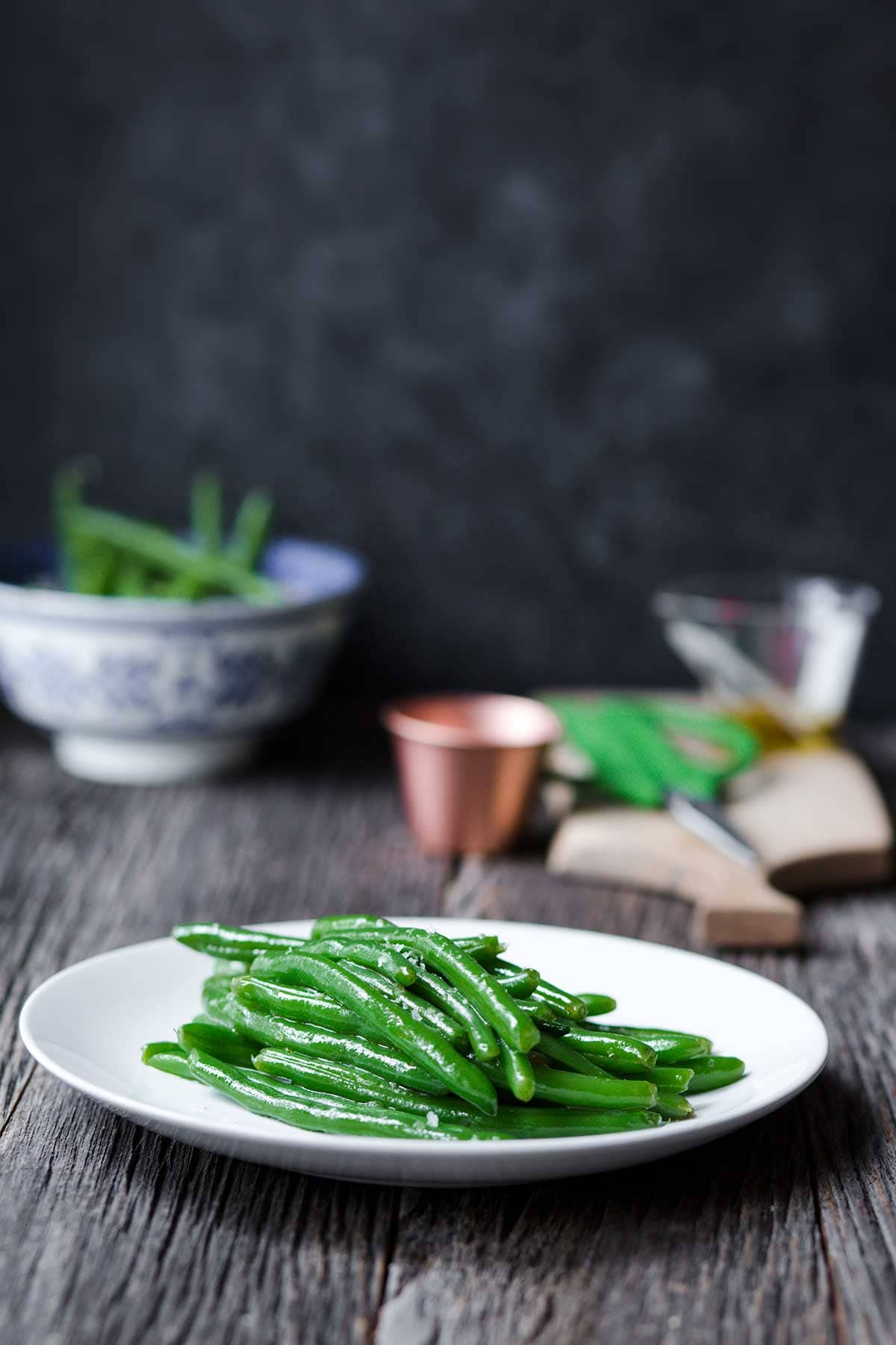 Cooked green beans on a plate
